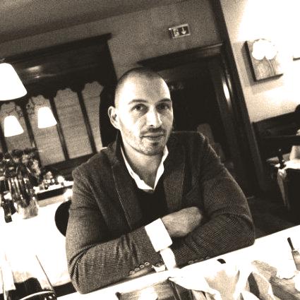 Dott. Marco Capuzzo, Medico Chirurgo, specialista in Ortopedia e Traumatologia